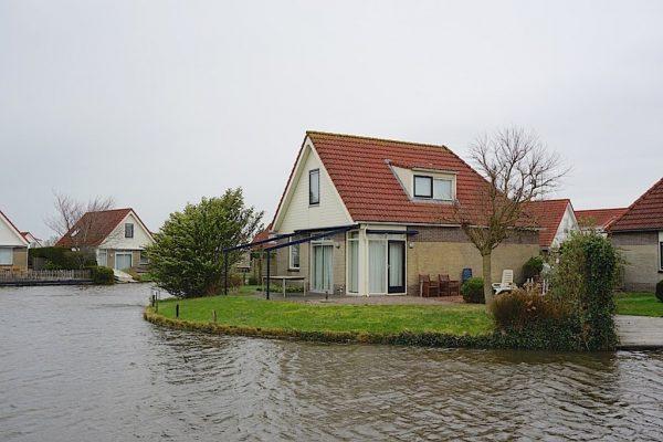 Funda Landelijk Wonen : Wonen aan het water waterrijk wonen friesland